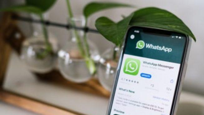 WhatsApp: Trucos para poner a salvo tu móvil de cotilleos