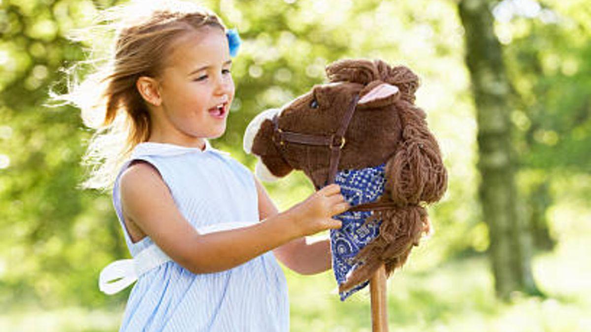 Todos los pasos para hacer un caballito con palo para los niños
