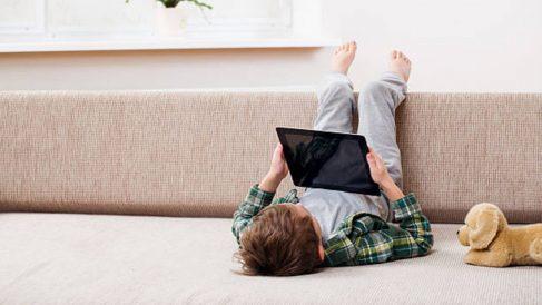 Los niños han aumentado el tiempo frente a las pantallas durante la pandemia