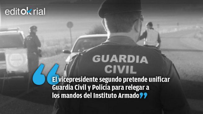 Iglesias quiere someter a la Guardia Civil