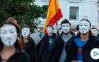 Jóvenes 'Anonymous' protestan ante el Congreso contra «la nefasta y criminal gestión del Gobierno»