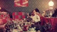 Truman Capote en su casa, 1958. Fotografía de Slim Aarons. Cortesía de Staley-Wise Gallery, Nueva York.
