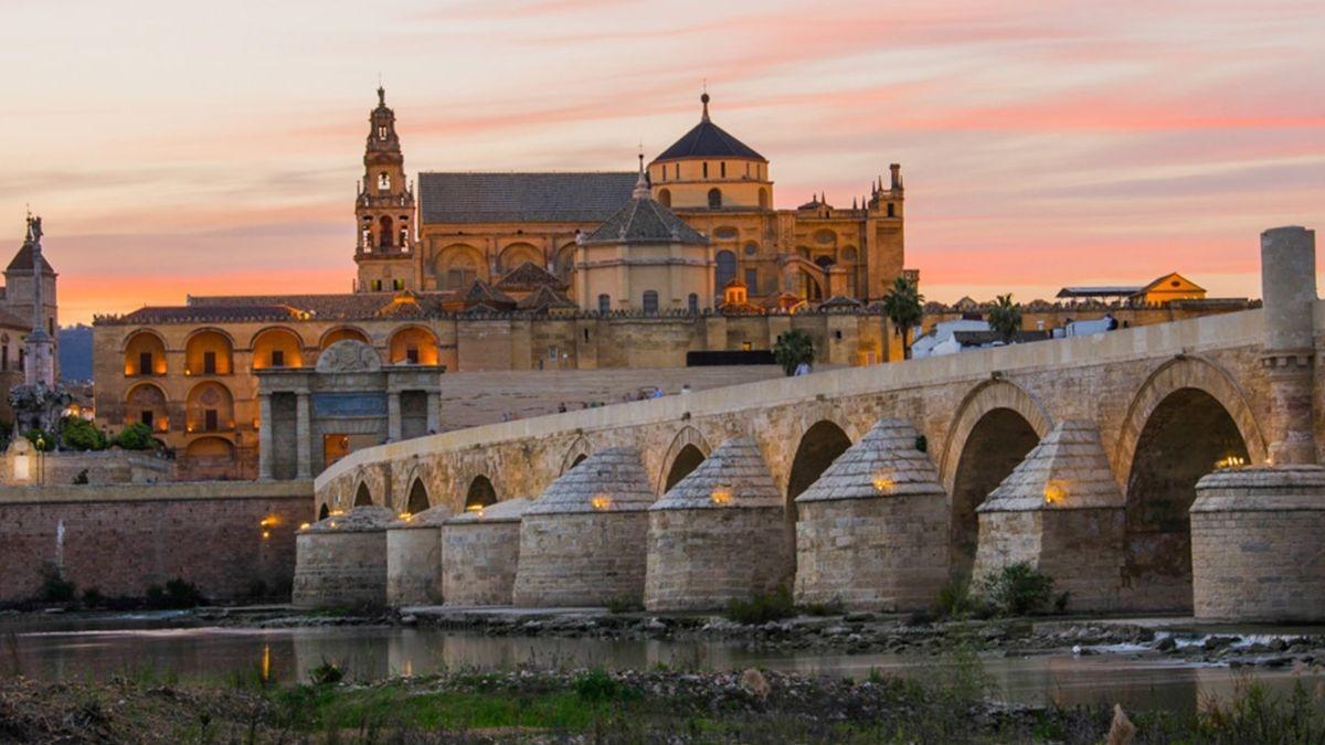 Una fiesta familiar en Córdoba acaba con 30 personas confinadas