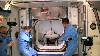 Así fue la llegada de la 'Crew Dragon' de Space X a la estación espacial