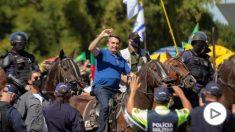 Jair Bolsonaro durante la concentración. Foto: AFP