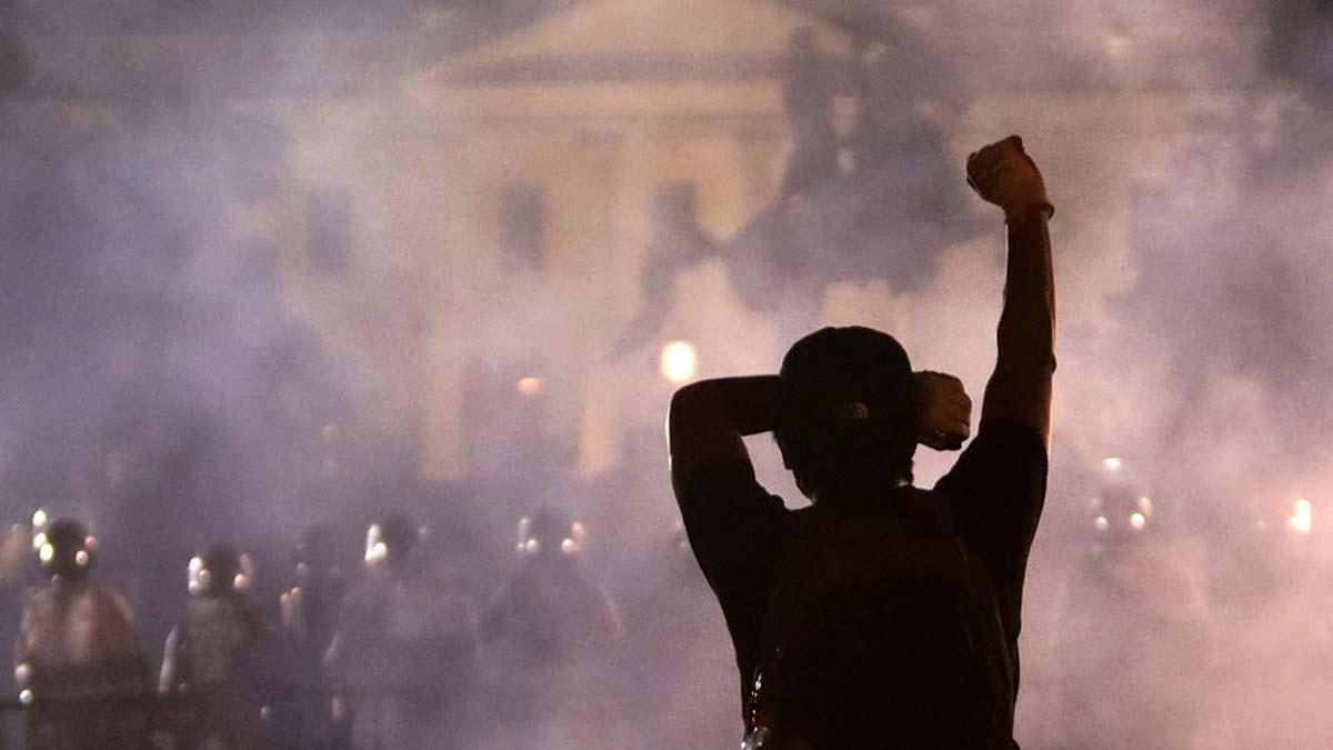Los disturbios se instalan en las puertas de La Casa Blanca y ...