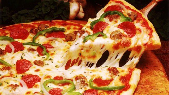 """Instagram: Una pizzería cobra 1 euro más si quieres que el repartidor: """"te mire a los ojos y te diga que todo estará bien"""""""