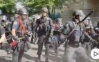 Violento enfrentamiento entre la policía y los manifestantes por la muerte de George Floyd en Portland