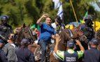 Bolsonaro se pasea a caballo en una marcha a su favor mientras Brasil supera los 500.000 casos de coronavirus