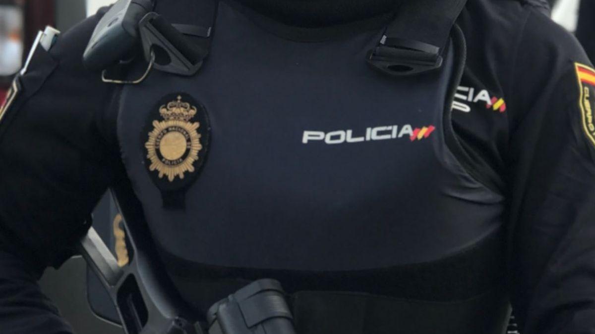 La Policía Nacional detiene a cuatro patrones de pateras en Almería