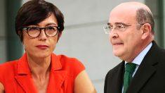 La directora general de la Guardia Civil, María Gámez, y el coronel Diego Pérez de los Cobos.