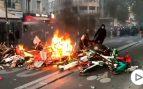 Destrozos en las calles de París en una protesta por la muerte de un joven de color en 2016