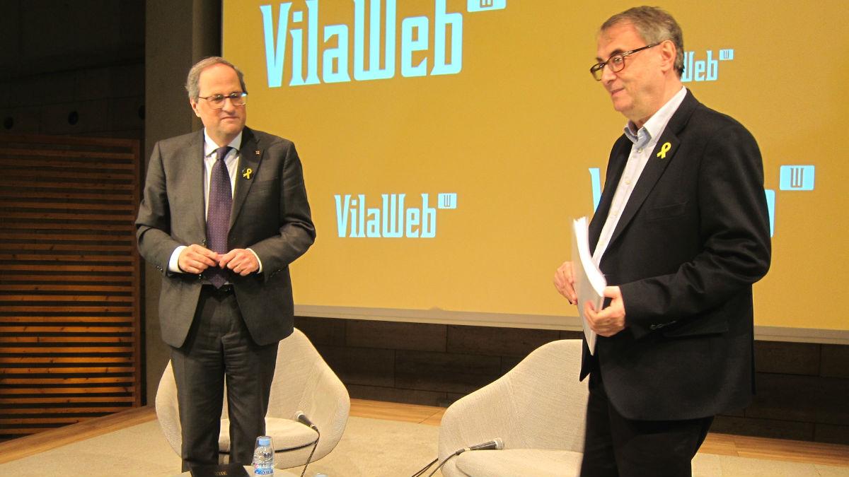 Quim Torra, presidente de la Generalitat de Cataluña, y Vicent Partal, director de 'Vilaweb'. (Foto: Europa Press)