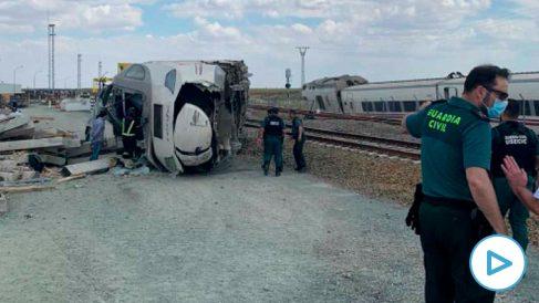 Estado en el que quedó el tren tras descarrilar.