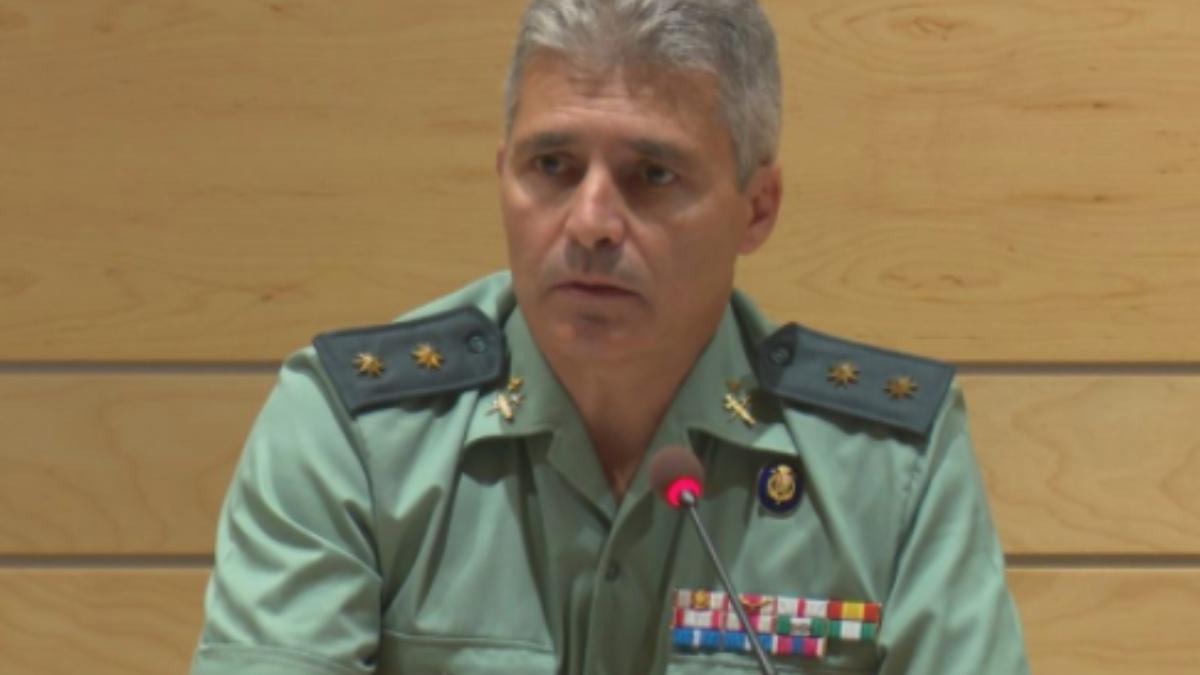 El teniente coronel David Blanes, nuevo jefe de la Comandancia de Madrid, durante la presentación de un equipo especial antidrones en Barajas.