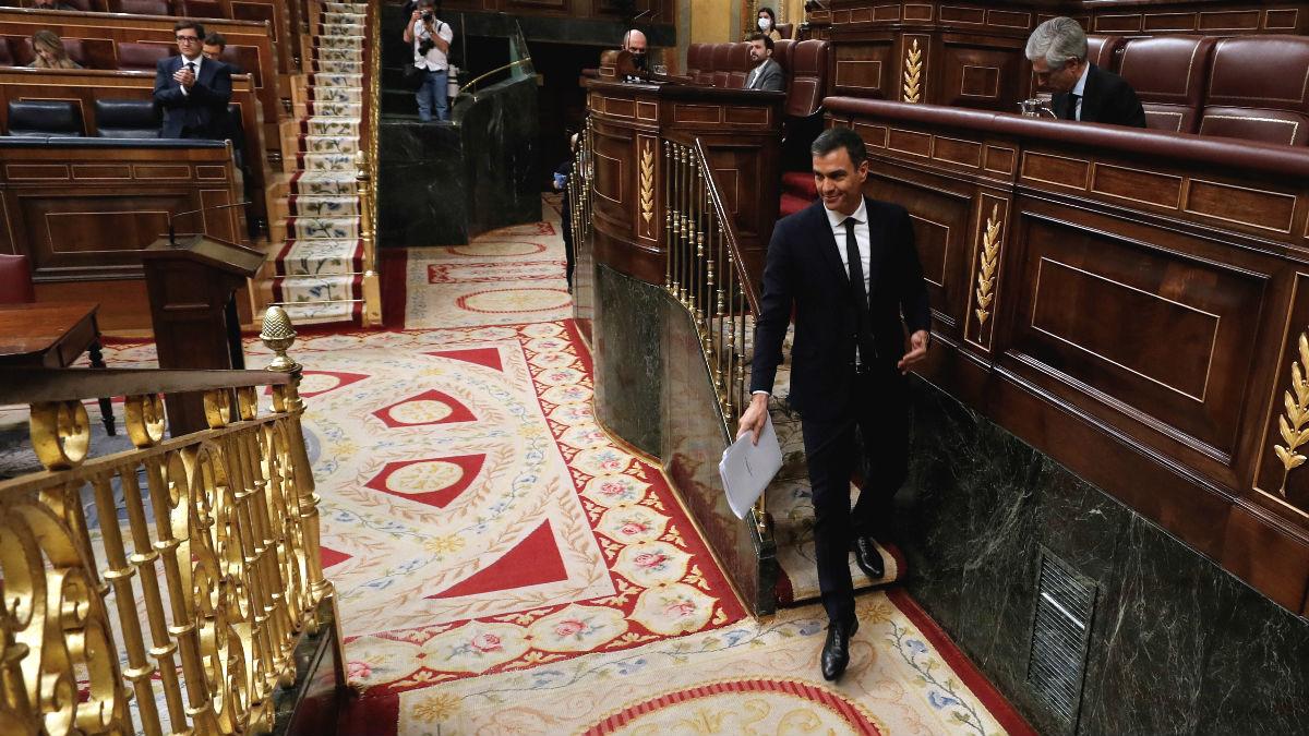 El presidente del Gobierno, Pedro Sánchez, durante un pleno del Congreso para prorrogar el estado de alarma. (Foto: Efe)