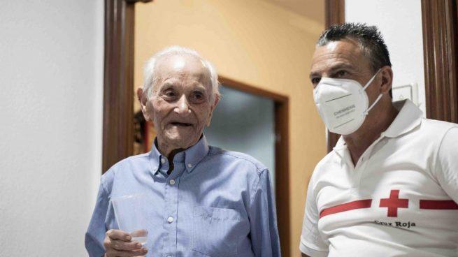 Un cordobés cumple 100 años en plena pandemia y es homenajeado