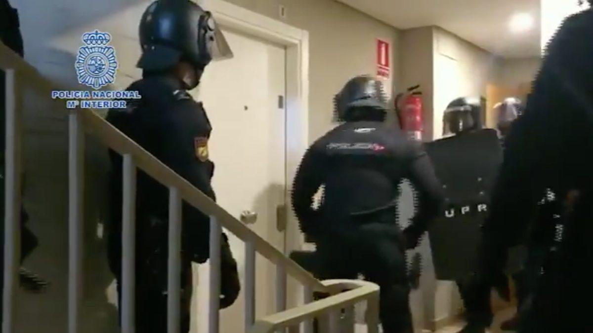 La Policía Nacional en el momento de la detención en Madrid