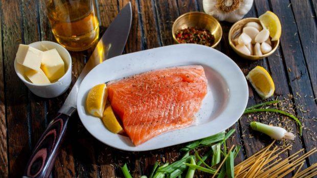 Recetas de macarrones con salmón y salsa de eneldo