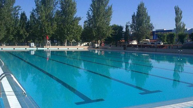 29 pueblos de Granada no abrirán sus piscinas municipales en verano
