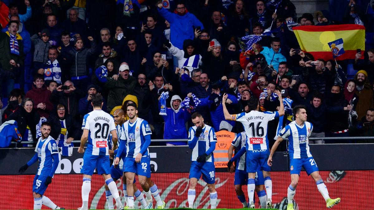 La plantilla del Espanyol, celebra un gol en el RCDE Stadium (AFP).