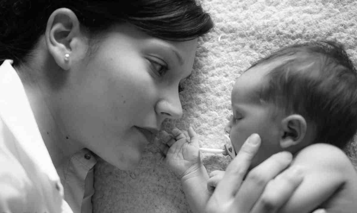 Hablar a un bebé y a un niño