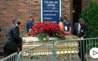 Amigos y familiares despiden a George Floyd en un multitudinario entierro