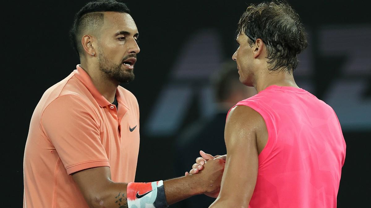 Nick Kyrgios y Rafa Nadal se saludan tras un partido. (Getty)