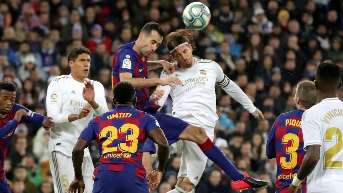 Busquets y Sergio Ramos en un Real Madrid-Barcelona.