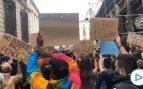 Cientos de personas se manifiestan en Barcelona contra la «policía asesina» tras la muerte de Floyd
