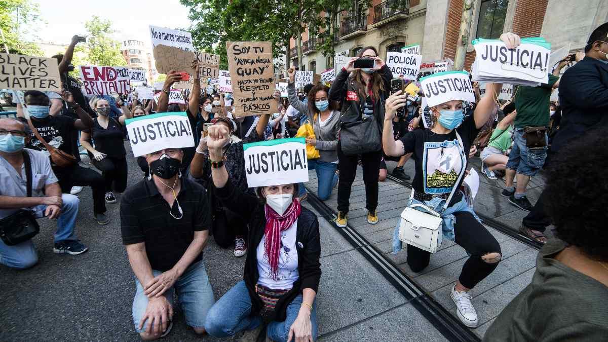 Concentración frente a la Embajada de EEUU por la muerte de George Floyd. Foto: EP