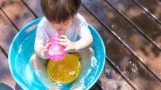 El concierto de agua es una divertida actividad musical para niños pequeños