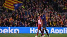 Diego Costa y Piqué, durante el Barcelona – Atlético de la pasada temporada. (Getty)