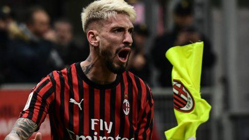 Samu Castillejo, durante un partido del Milan. (AFP)