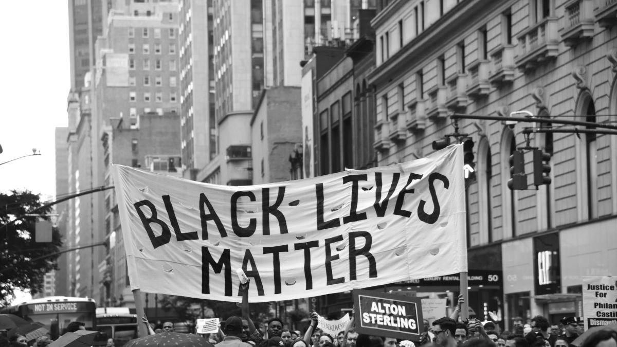 El movimiento contra el racismo tiene cada vez más seguidores en todo el mundo