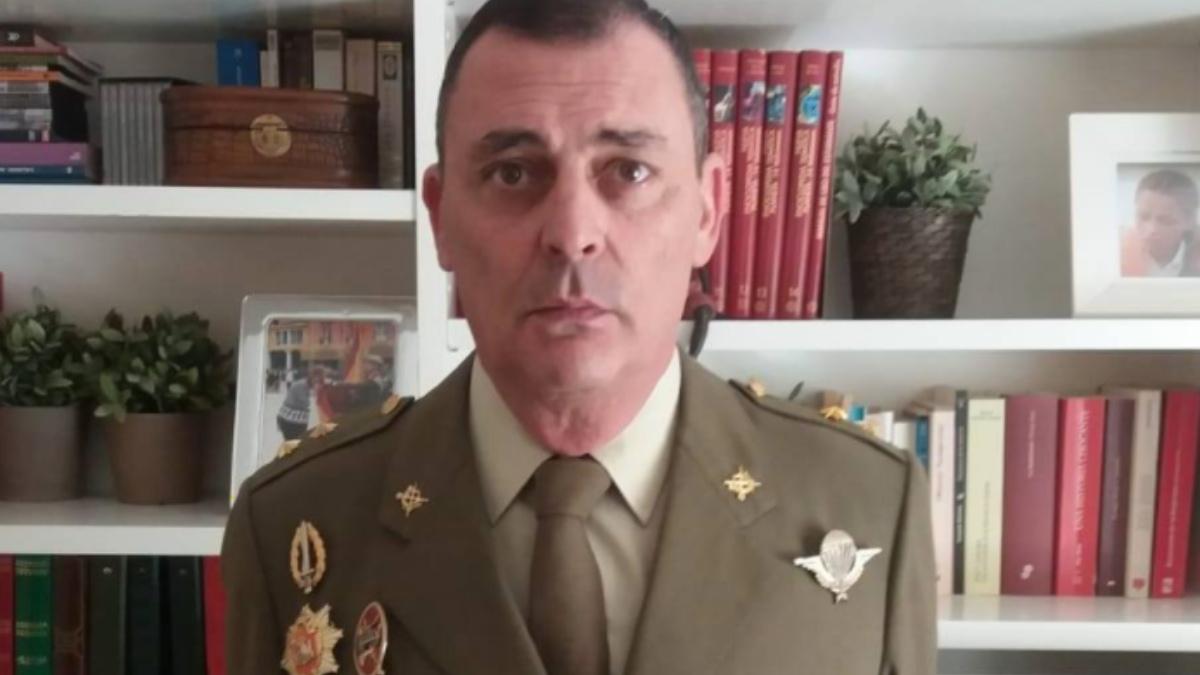 El teniente coronel en la reserva Enrique Area.