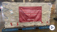 Mensaje de Inditex en las cajas de material sanitario donado.