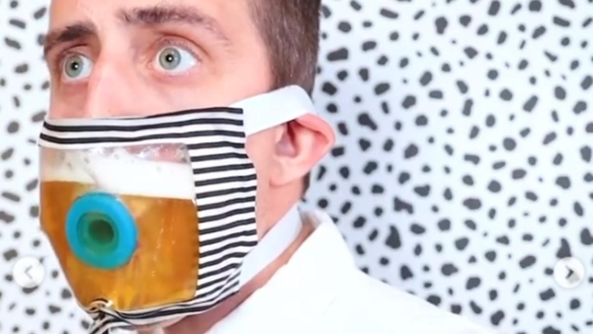 Instagram: Inventan una mascarilla para poder beber cerveza sin quitársela