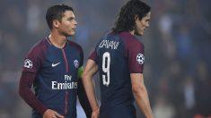 Thiago Silva y Edinson Cavani durante un partido con el PSG. (AFP)