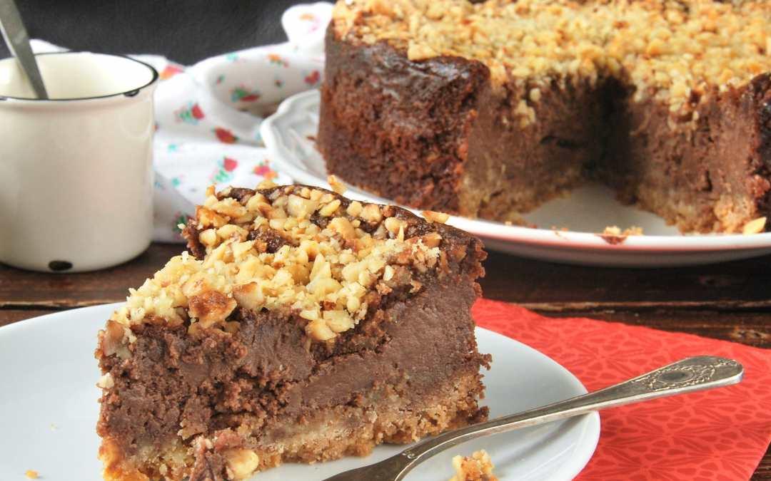 Receta de Deliciosa tarta de queso crema, chocolate y cacao