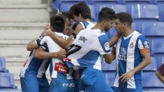 Los jugadores del Espanyol celebran un gol. (EFE)