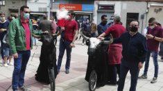 Participantes en el paseo taurino en Valladolid
