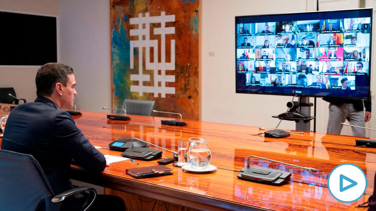 Pedro Sánchez, este domingo, en su reunión con los presidentes autonómicos.