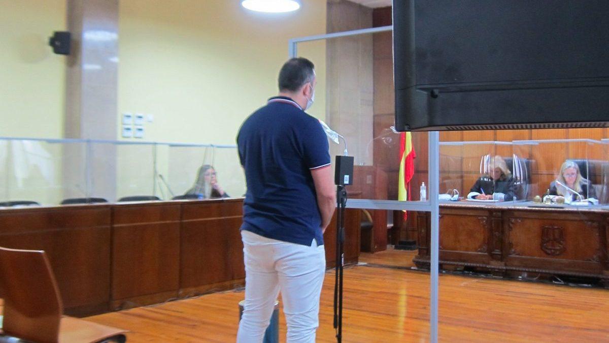 El acusado durante la declaración ante el tribunal.