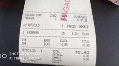 Facebook: Un bar de León cobra más de 10 euros por dos pacharán en plena fase 3
