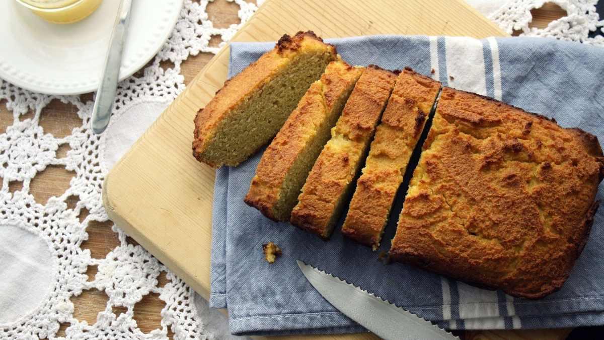 Receta fácil de pan de coco y almendras