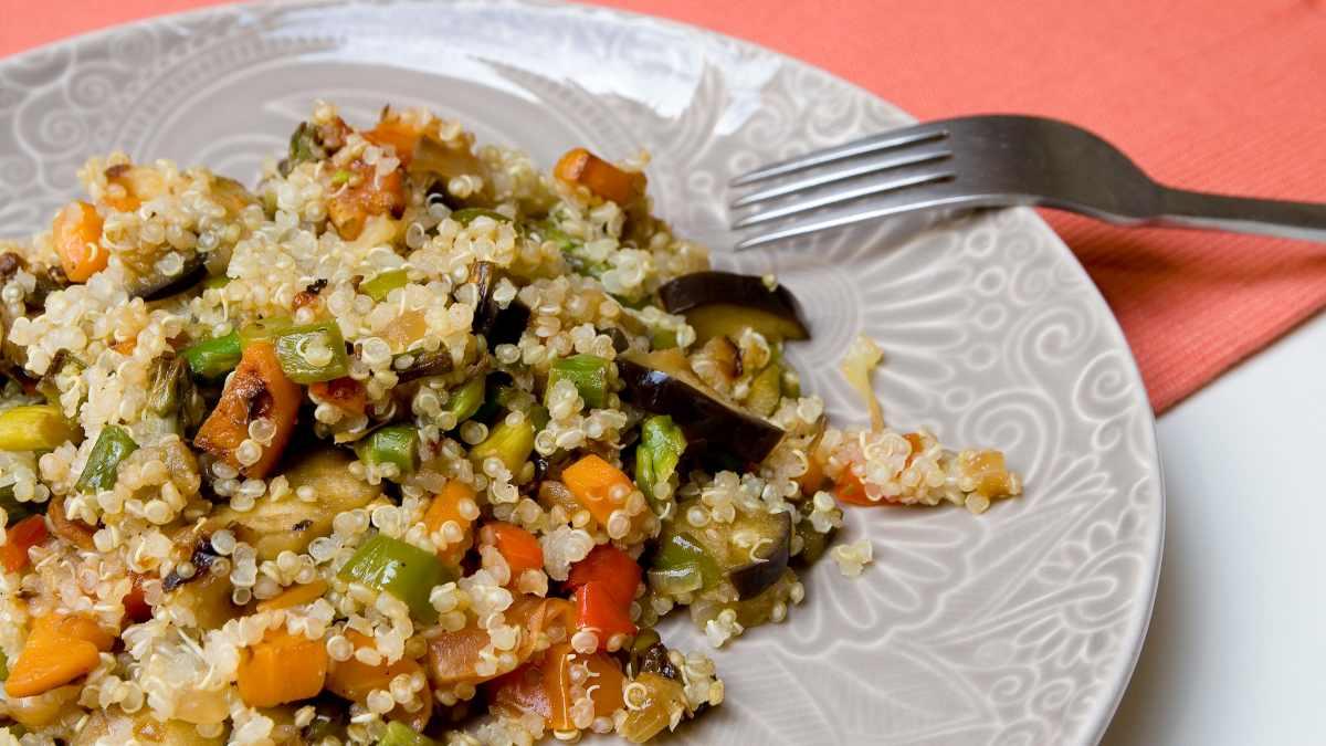 Receta de Ensalada de verduras asadas con quinoa