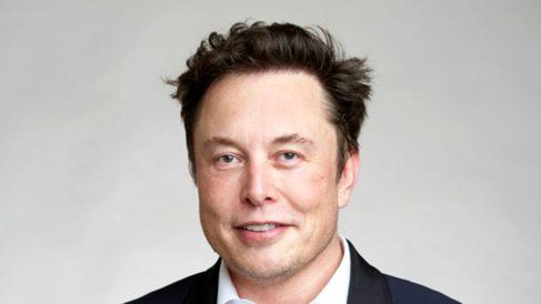 Este es el invento de Musk para unir tu mente a un ordenador mediante Bluetooth