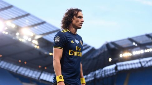 David Luiz, tras su expulsión. (Getty)