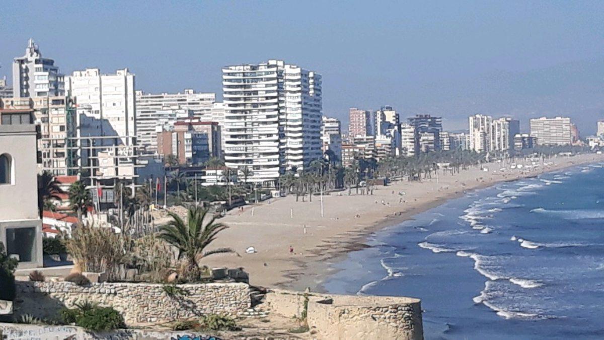 El 'tasazo' turístico de la izquierda valenciana: gravar a un sector que aporta 4.000 millones